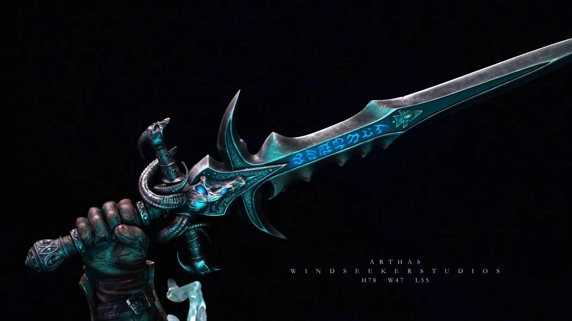 Estatua de Arthas Menethil por Windseeker Studio